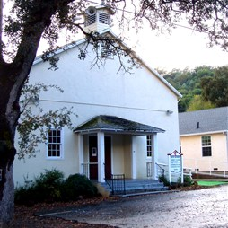 Clearlake Oaks, Community UMC